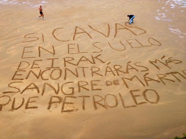 Piedras Gritando Frases En La Playa De Cristianos