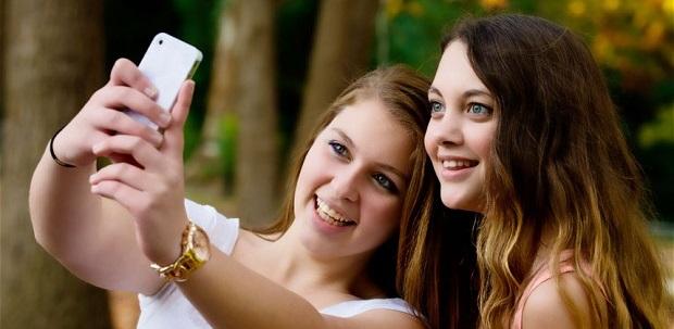 tecnología facebook twitter instagram selfie