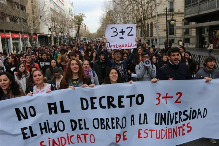 grados 3+2 decreto universidad