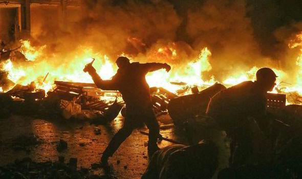 Alex Dennis manifestaciones protestas riots UK manis